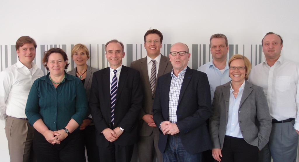 Der neue Geschäftsführer inmitten des Führungsteams der Hospital LogiServe GmbH