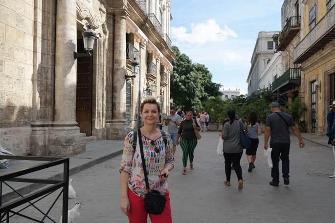 """Ein lebendiges """"Freilichtmuseum"""": Krankenschwester Liane Schulze auf den Straßen Havannas"""